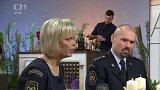 Jak se slouží o Vánocích - hasič Jan Lédl a tisková mluvčí Pavlína Adamcová