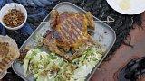 Grilované kuře s ledovým salátem s modrým sýrem a cibulkou