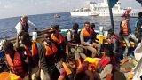 Záchrana běženců u libyjských břehů