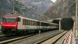 Nejdelší železniční tunel na světe je v provozu