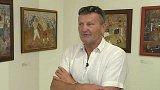 Boxer Osička vystavuje své oleje