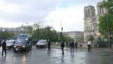 Střelba před katedrálou Notre-Dame