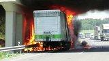 Požár kamionu na dálnici D46