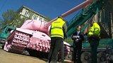Ikonický růžový tank Davida Černého v Brně