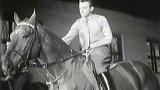 Mladí havíři se učí jezdeckému výcviku (1952)
