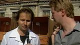 Kontroly stánkařů na tržnici v Praze (1990)