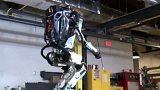 Robot zvládne i salto