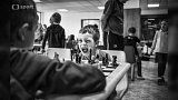 Ocenění fotografií z dětských šachových turnajů