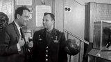 Jurij Gagarin a Vladimír Branislav vmuzeu kosmonautiky