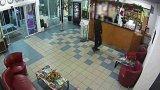 Přepadení v hotelu - videozáznam