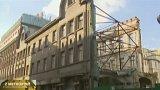 Bourání domu na Václavském náměstí