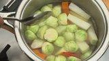 Pečený candát s vinnou redukcí a zeleninkou