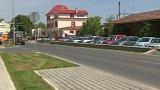 V Čelákovicích chtěl kraj dva roky po rekonstrukci znovu opravovat bezvadnou silnici