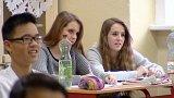Školy a města na Karlovarsku protestují proti plánům kraje