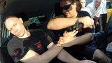 Jak se bránit pistoli, škrcení nebo noži. Pražští taxikáři se učí základům sebeobrany