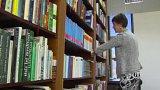 Ocenění za knihovnické služby, které každoročně udílí ministerstvo kultury, dnes převzali zástupci knihoven z Horní Lidče na Vsetínsku a Jihočeské vědecké knihovny v Českých Budějovicích.