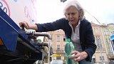 Už 400 tisíc korun vyplatila pojišťovna lidem z pražských Dejvic a Bubenče, kteří měli zdravotní potíže kvůli kontaminované vodě.