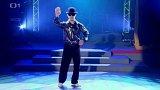 Kyrgyzský tanečník Atai Omurzakov