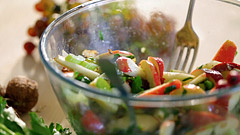 Šťavnatý salát zjablek, celeru a hroznového vína