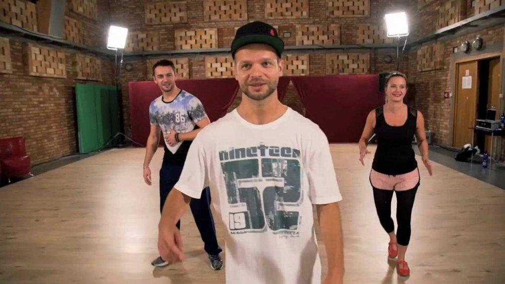 Kristýna Leichtová tančí housedance