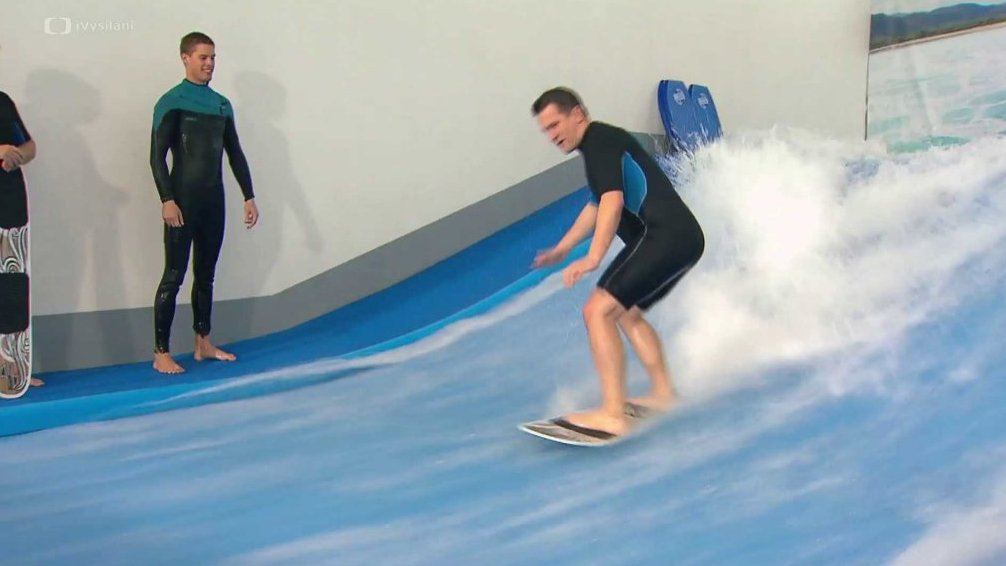 Surfing na umělé vlně