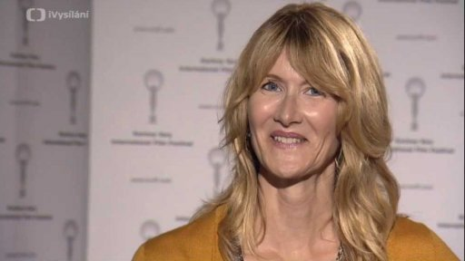 Laura Dern (English version)