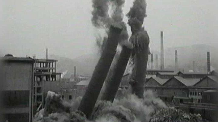 Archiv ČT24: Odstřely a demolice