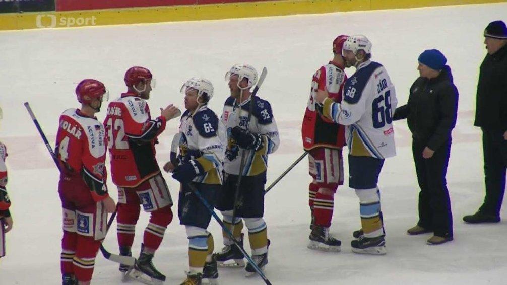 Buly - hokej živě: Aukro Berani Zlín - HC Olomouc