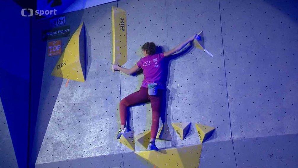 Sportovní lezení  Rock Point Mezinárodní mistrovství České republiky v  boulderingu d1fc4dcc9ae