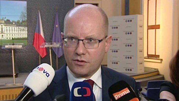 90' ČT24: ČNB: konec intervencí
