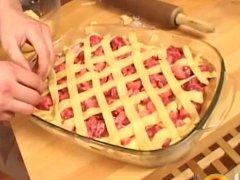 Linecký koláč s tvarohem a jahodami