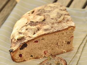 Špaldovo žitný chléb z kvásku
