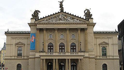 120 let budovy Státní opery Praha