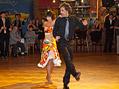 Taneční exhibice rodičů na plese