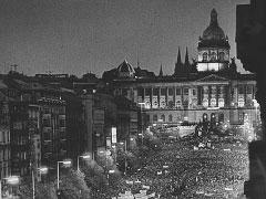 Praha, Václavské náměstí; 24. 11. 89. © Jan Šilpoch
