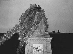 Olomouc; 9. 12. 89 (Stalin a Lenin II.). © Jan Šilpoch