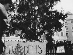 Praha, Staroměstské náměstí; 28. 12. 89. © Jan Šilpoch