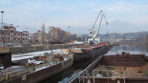 Mizející místa domova: Pražský přístav