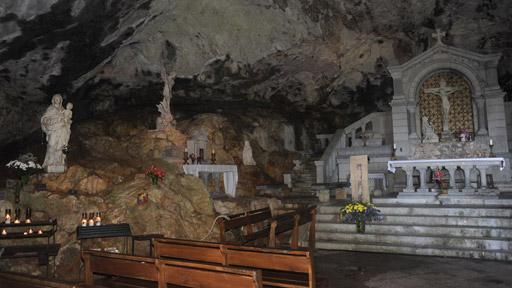 Tajemství jeskyně
