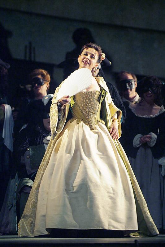 Massenet: Manon (complete opera recorded in 2007)