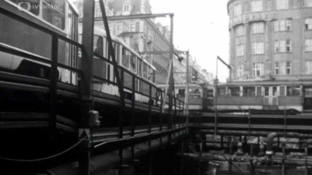 Pražská kronika: Křižovatka