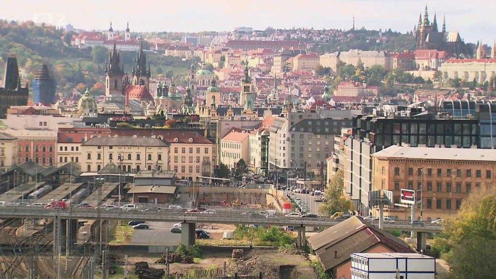 Nedej se plus: Praha: město v defenzívě