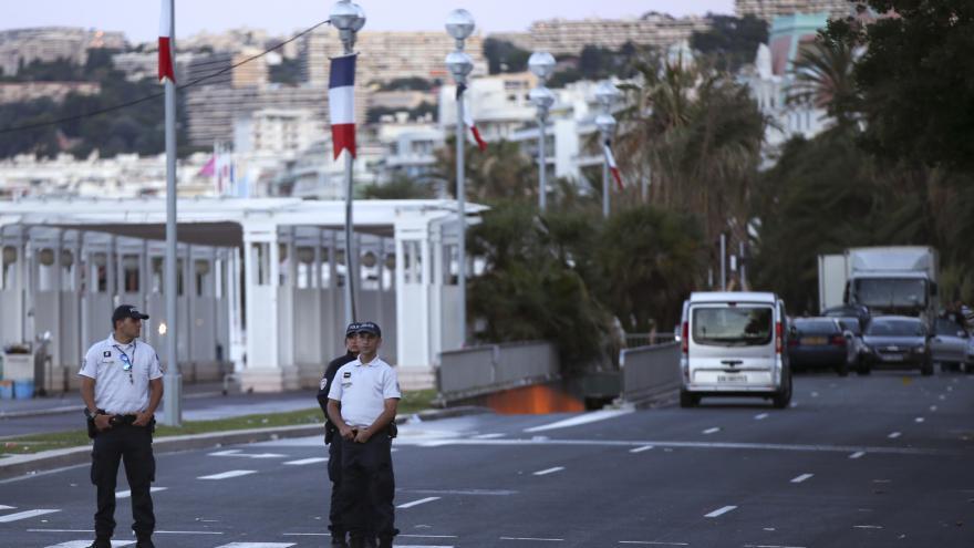 Mimořádné pořady ČT24: Útok v Nice