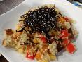Zeleninový kuskus sypaný řasou arame sesezamovým semínkem
