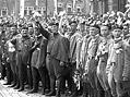 Osm� slet v�esokolsk� (1926). Sokolsk� pr�vod Prahou kon�il manifestac� na Starom�stsk�m n�m�st�.