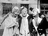 Klauni, kte�� vystoupili p�i ka�doro�n�m Apr�lov�m dni (1934)