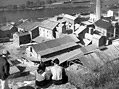 Podolskou cement�rnu v dokument�rn�ch filmech t�m�� nenajdete, zato v hran�m filmu �Matka Kr��merka� (1934) ano � a velice p�kn�.