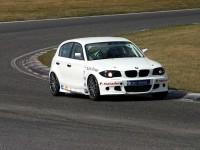 BMW se vrhá na okruhy