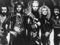 Judas Priest, zleva Ian Hill, Glenn Tipton, Rob Halford, K. K. Downing, Dave Holland, pol. 80. let