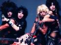 Mötley Crüe, zleva Nikki Sixx, Mick Mars, Vince Neil, Tommy Lee, 1983-4